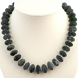 Handmade Silver Bead Green Serpentine Necklace (Thailand)