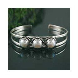 Sterling Silver 'Moonlight Trio' Pearl Cuff Bracelet (India)