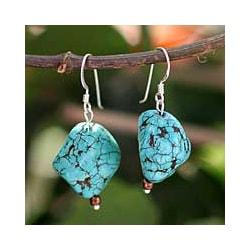 Magnesite 'Song of the Sky' Dangle Earrings (Thailand)