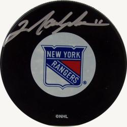 New York Rangers Mark Messier Autograph Hockey Puck 7293021