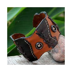 Leather 'Chestnut Buttons' Cuff Bracelet (Thailand)