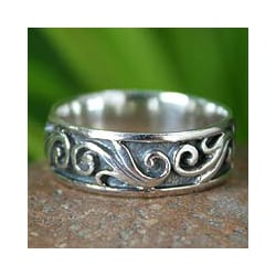Sterling Silver 'Dreamer' Handcrafted Ring (Thailand)