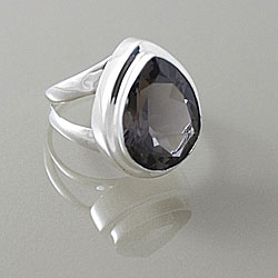 Sterling Silver Faceted Smokey Quartz Almond Drop Ring (Indonesia)