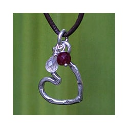 Silver and Leather 'Love Selection' Rose Quartz Necklace (Thailand)