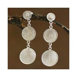 Handmade Silver Filigree 'Starlit Moons' Drop Earrings (Peru) 8184190