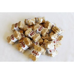 Foppers Peanut-flavored Bone-shaped Dog Treats (20 Packs of Three)