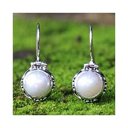 Sterling Silver 'Odyssey' White Mabe Pearl Earrings (9 mm) (Indonesia) 8564151