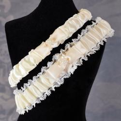 Ivory Vintage Lace Wedding Garter