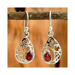 Sterling Silver 'Lace Halo' Garnet Dangle Earrings (India)