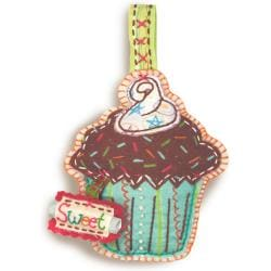 "Handmade Cupcake Ornament Embroidery Kit-4""X6-1/2"""