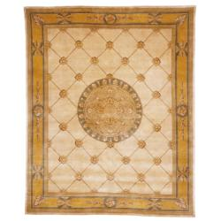 Asian Hand-knotted Medallion Ivory/ Gold Wool Rug (6' x 9')