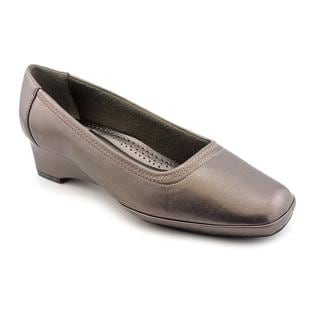 Easy Street Women's 'Freedom' Synthetic Dress Shoes - Extra Wide (Size 6.5)