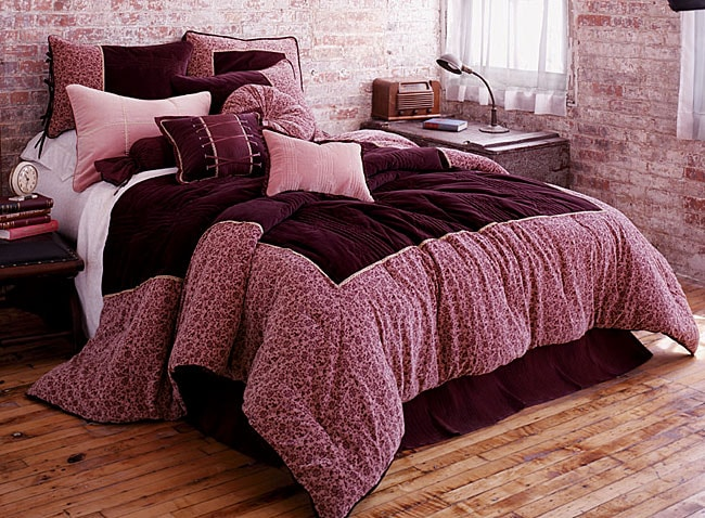 Roman Holiday Bedding Ensemble