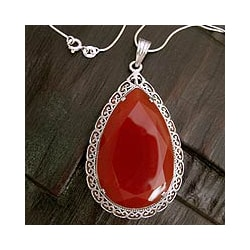 Handcrafted Sterling Silver 'Bright Hope' Red Agate Necklace (India) 8209297