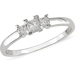 14k White Gold 1/4ct TDW Princess Diamond Three-Stone Ring (I-J/ I2)