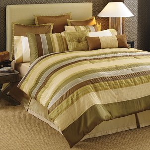 Tips on Buying Bedroom Comforter Sets