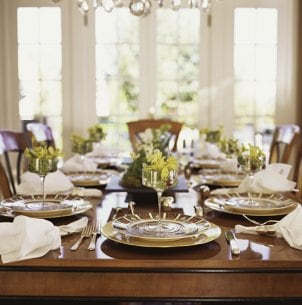 How to Set a Dining Table