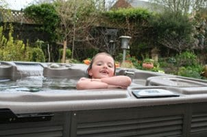 How to Maintain a Hot Tub