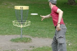 How to Throw a Golf Disc
