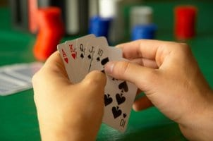 How to Play Five-Card Draw Poker