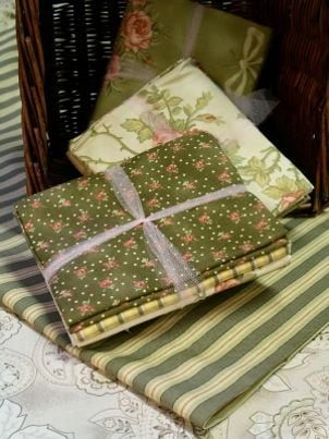 How to Make a Quilter's Gift Basket