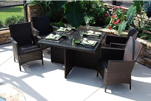 How to Buy an Outdoor Dining Set
