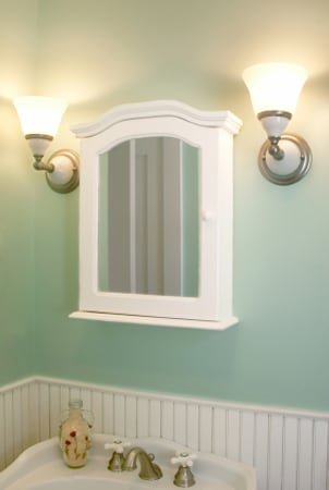 How to Choose Light Fixtures for a Bathroom