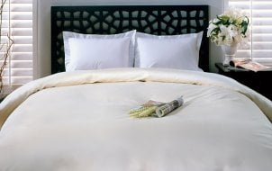 How to Put on a Duvet Cover by Yourself