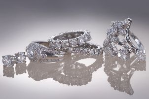 New Trends in Right-hand Diamond Rings