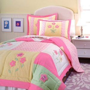 How to Find Cute Girls' Bedding