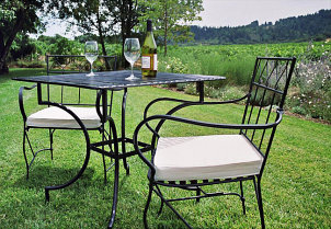 Bistro Tables for Outdoor Dining