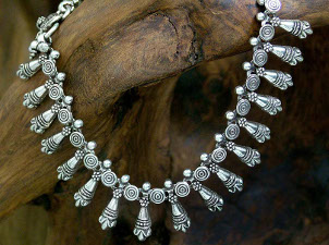 How to Buy Sterling Silver Jewelry
