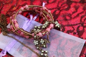 Best Ways to Wear a Copper Bracelet