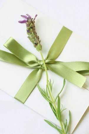 Tips on Making DIY Wedding Invitations