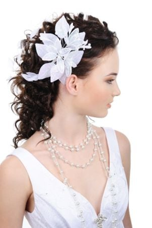 Tips on Choosing Wedding Hairstyles
