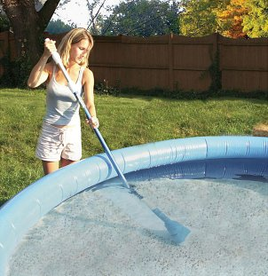 How to Clean Swimming Pools