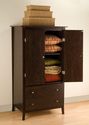 Tips on Organizing an Armoire