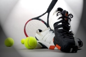 How to Choose Men's Athletic Shoes for Tennis