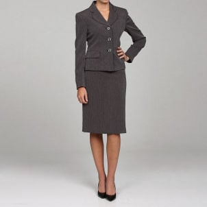 FAQs about Women's Suits