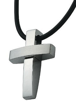New Trends in Cross Necklaces