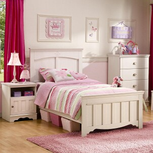 Choosing a Nightstand for a Kid's Room