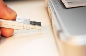 How to Transfer Data with a Memory Card Reader