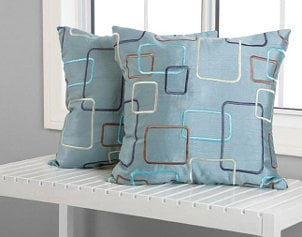 How to Use Patterned Decorative Pillows in Your Home