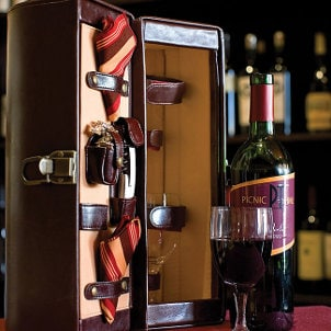 Best Wine Accessories to Give as Gifts