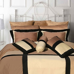 Top 5 Modern Bedding Accents