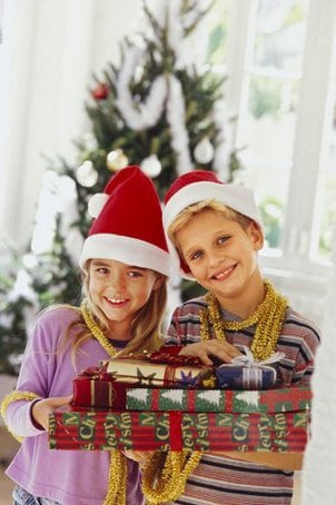 10 Ideas for Holiday Family Fun